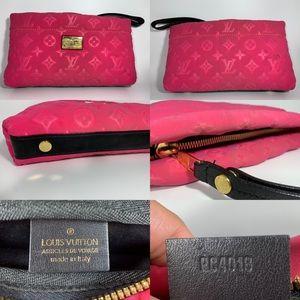 Louis Vuitton pochette scuba - fuschia